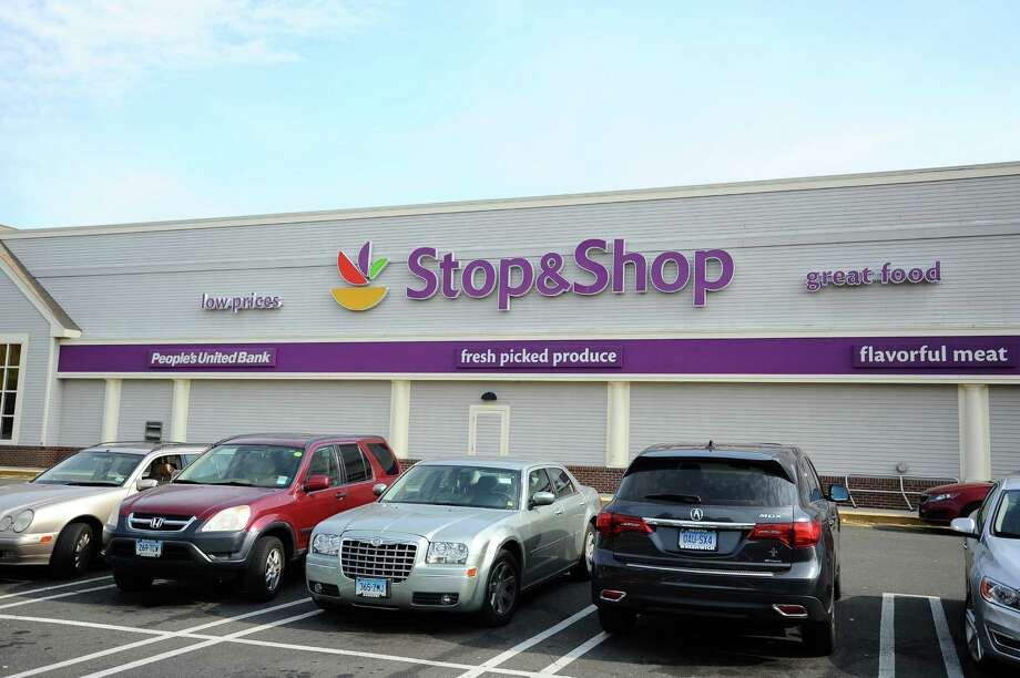 Stop & Shop, located on West Main St. in Stamford, Conn., on Thursday, Oct. 20, 2016. Photo: Michael Cummo / Hearst Connecticut Media / Stamford Advocate