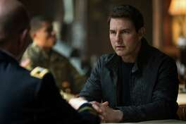 """In this image released by Paramount Pictures and Skydance Productions, Tom Cruise appears in a scene from, """"Jack Reacher: Never Go Back."""" (Chiabella James/Paramount Pictures and Skydance Productions via AP) ORG XMIT: NYET226"""