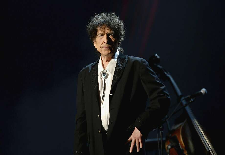 Dylan onstage, looking peeved at the MusiCares 2015 Person Of The Year Gala in his honor. Photo: Michael Kovac, WireImage