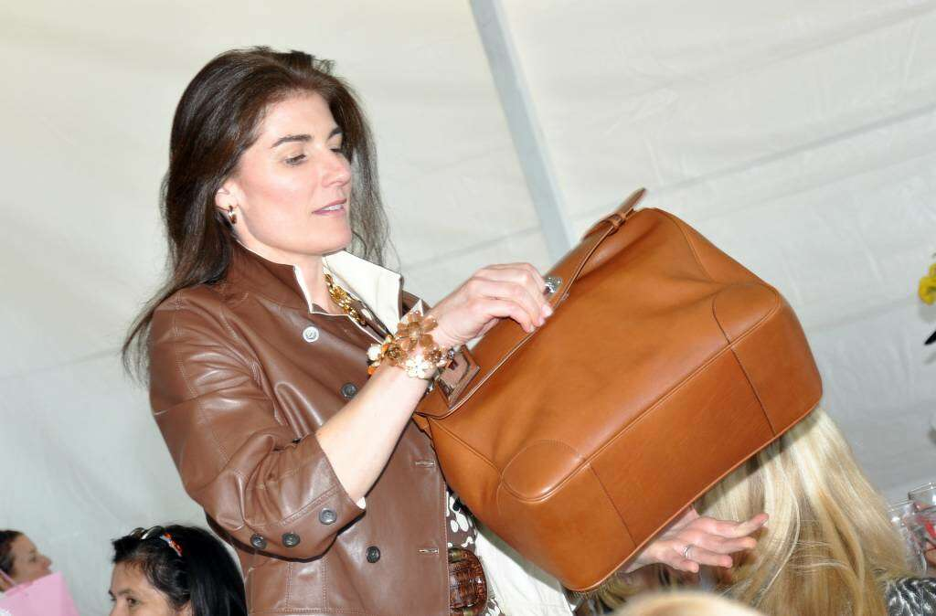 Suzy Armstrong Models A Ralph Lauren Cognac Tiffin Bag Valued At 3 000 Which Was Donated