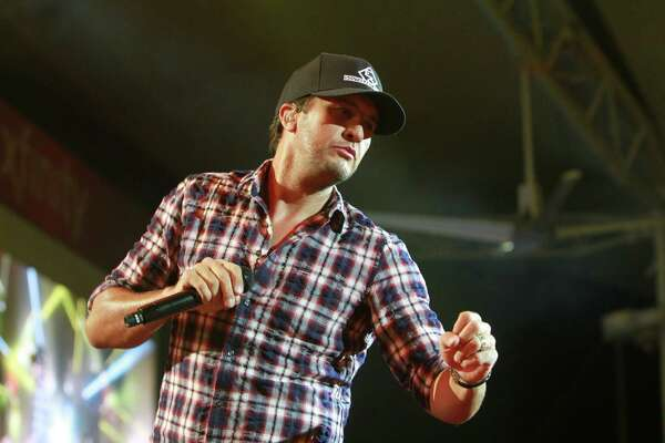Luke Bryan performing at the Woodlands.  (For the Chronicle/Gary Fountain, October 20, 2016)