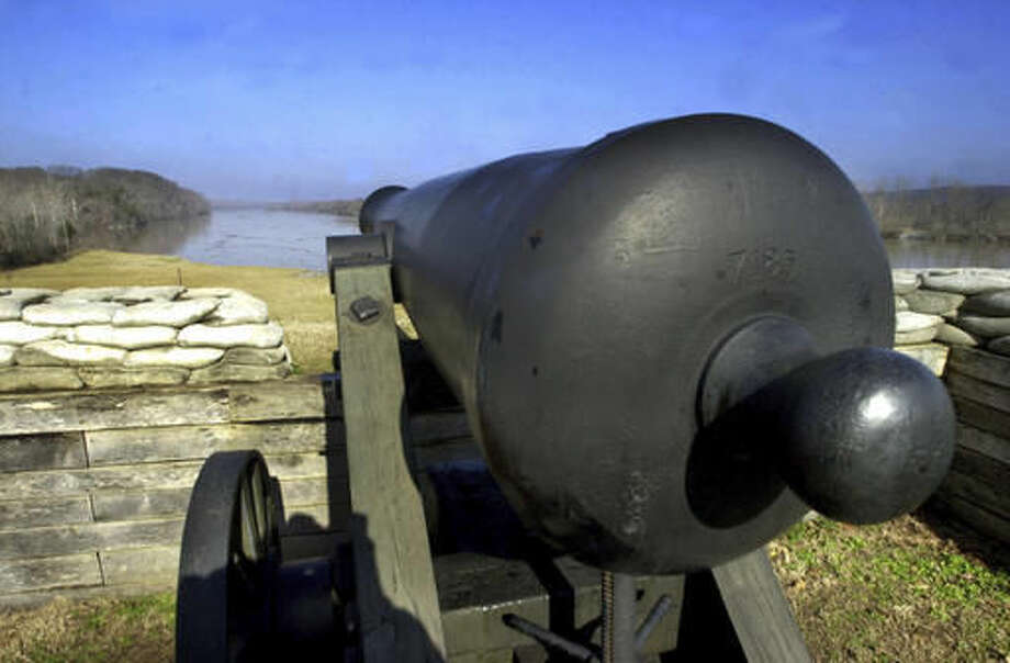 FILE - In this Jan 1, 2002, file photo, a cannon faces the Cumberland River at Fort Donelson National Battlefield in Dover, Tenn. Under proposed changes to Tennessee's social studies curriculum, public school students would no longer be required to be taught about the battle that first made a name for Union commander Ulysses S. Grant and led to Nashville becoming the first Confederate state capital to fall to the North. (AP Photo/The Leaf-Chronicle, Greg Williamson, File)