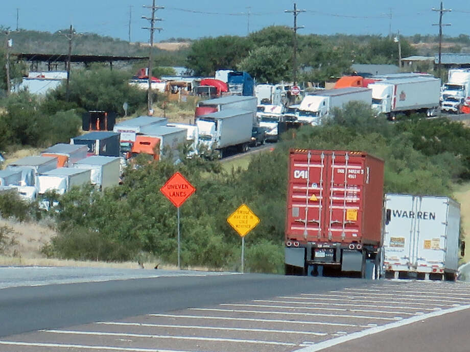 South bound traffic along FM 1472 from Mueller Memorial Boulevard near La Bota Ranch is shown in this file photo.