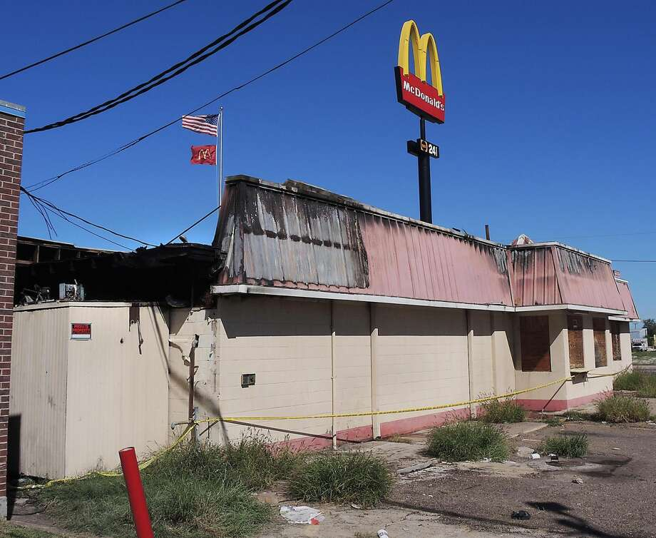 The rear section of the abandoned Kentucky Fried Chicken Restaurant at the corner of Santa Ursula Avenue and Washington Street suffered the most damage from the fire overnight Wednesday. (Photo by Cuate Santos/Laredo Morning Times)