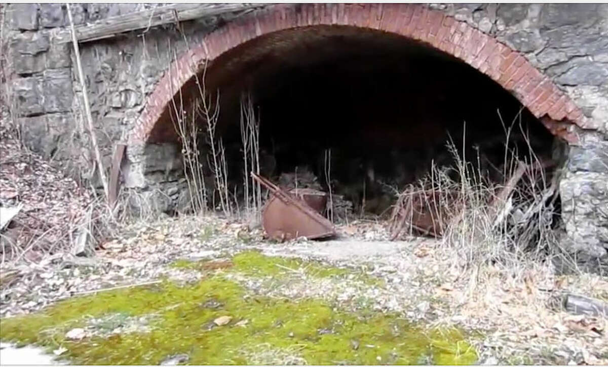 Rosendale Cement factory and mines , Rosendale, NY. The last of the original cement mines closed in 1970. From Youtube video: https://www.youtube.com/watch?v=_pTYG7xLAAg