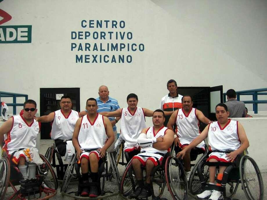 Francisco Tovar, Raúl Gasca, Javier del Río, Francisco de la Rosa, Luis Fernando Pérez, Francisco Tovar M., Vicente Ramírez, y Eugenio Reyes.(Foto de cortesía)