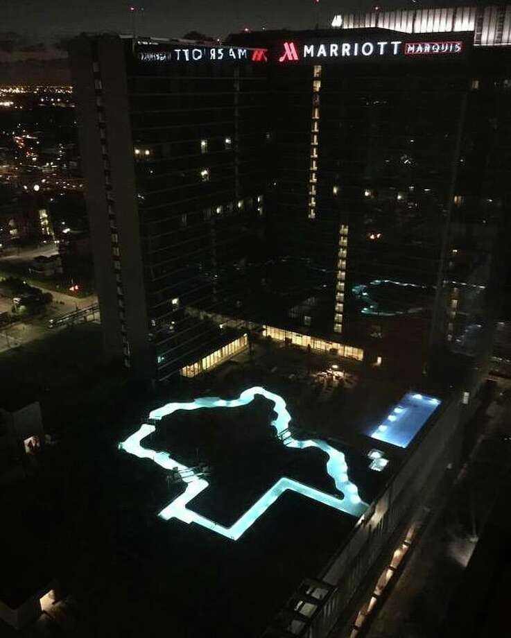 Photo New Texas Shaped Pool At Marriott Marquis Is Lit Up