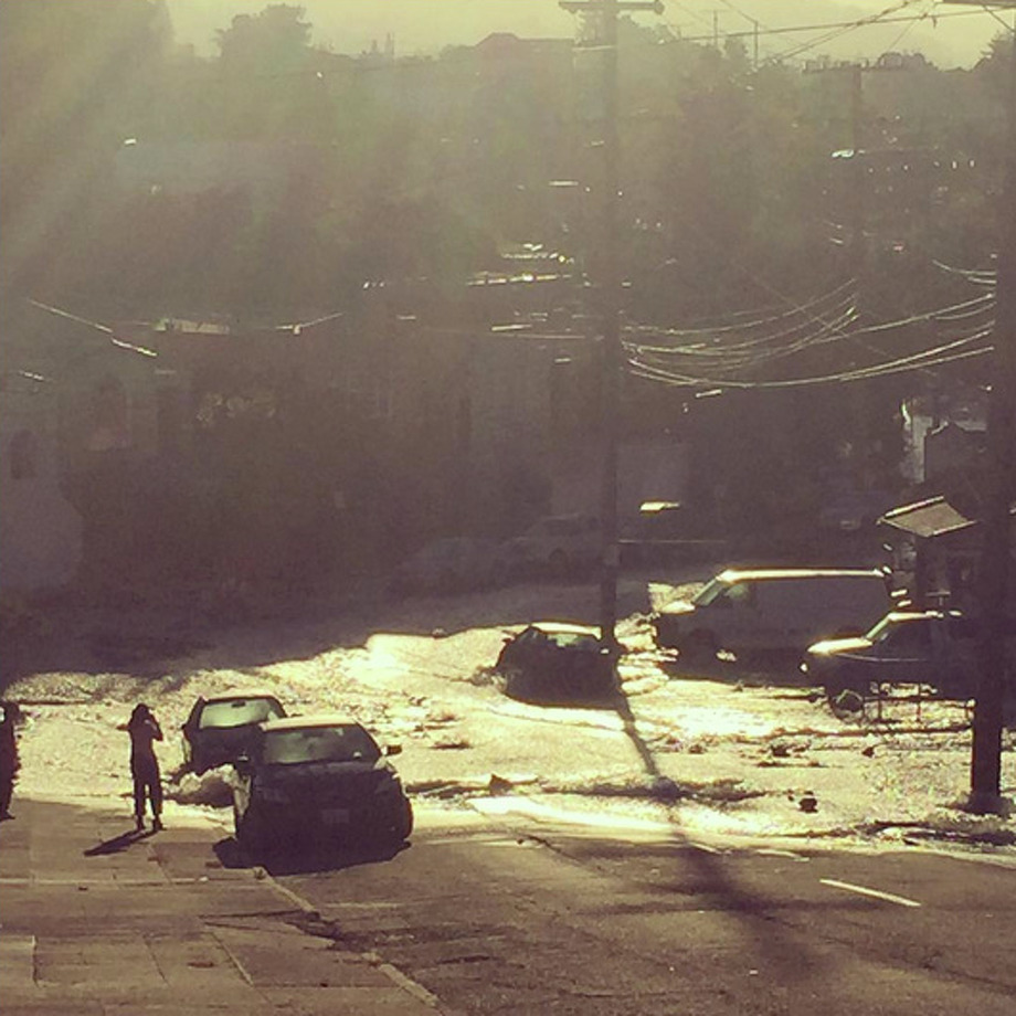 Flooding at Montana and Adell streets this morning in the Dimond district of Oakland. Photo: Michael Fortes / @frontparlour