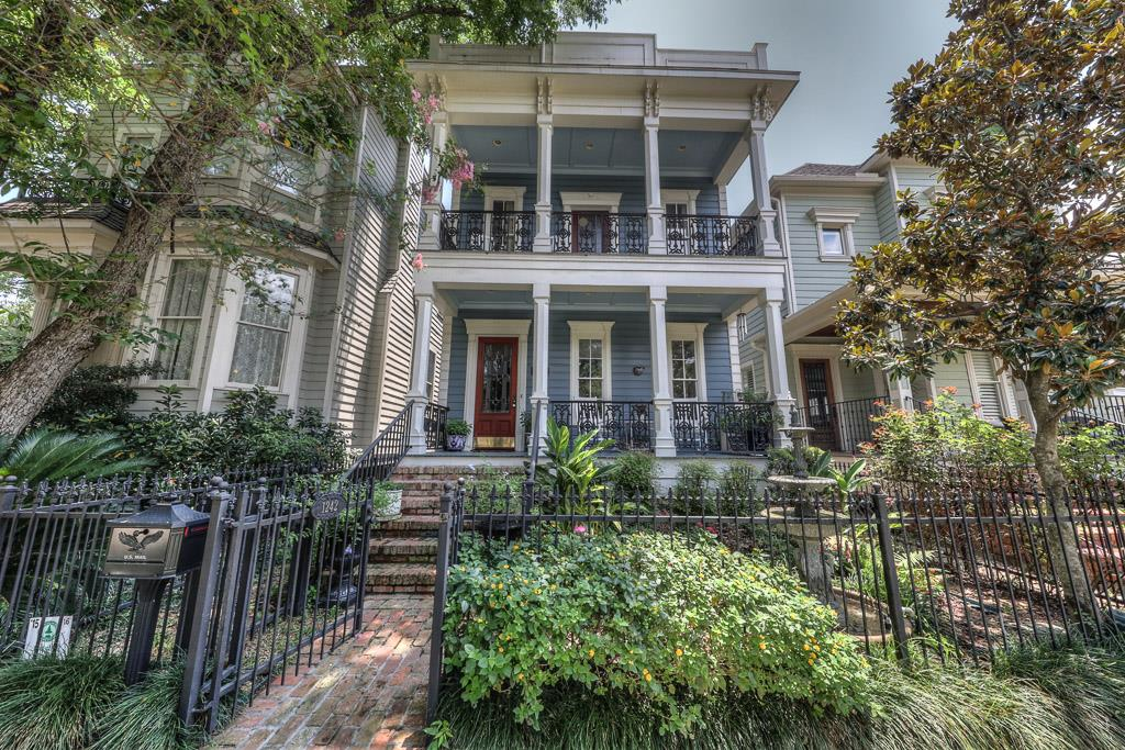 Houston Heights Trendy Colorful Homes In Historic