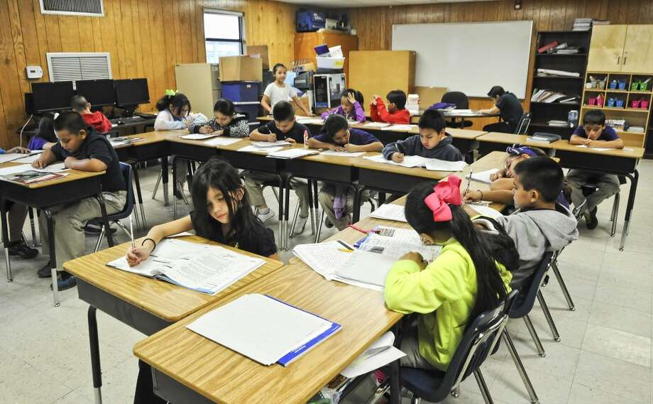 Araceli Flores' third grade class are shown in a crowded portable Friday morning at the Perez Elementary School. (Ulysses S. Romero/Laredo Morning Times)