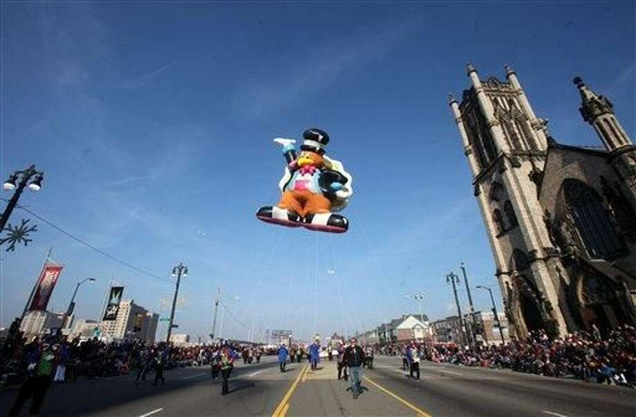America's Thanksgiving Day Parade in Detroit is celebrating its 86th anniversary as it makes its way down Woodward in Detroit, Thursday, Nov. 22, 2012. (AP Photo/Detroit Free Press, Regina H. Boone)