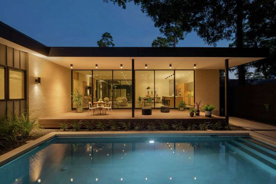 The Oak Forest home of Shawn and Rachel Gottschalk is part of the AIA Houston 2016 Home Tour. Photo: Ben Hill Photography
