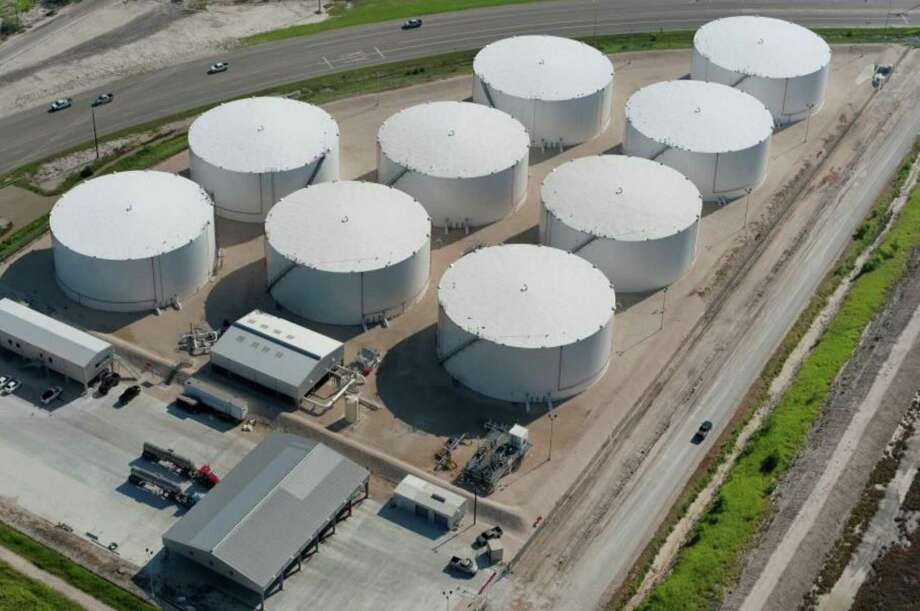 Howard Energy Partners, a San Antonio-based pipeline and storage company, is investing upwards of $150 million into a 41-acre site in the Port of Corpus Christi to build a crude oil and refined product terminal similar to this one. Photo: Courtesy Of NuStar Energy LP /NuStar Energy LP