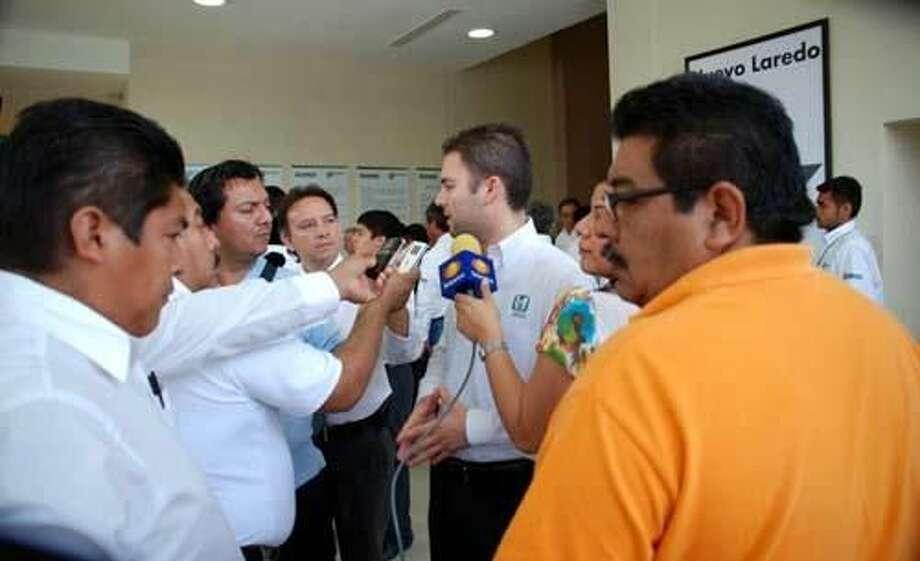 Foto de cortesíaEl Subdelegado del Instituto Mexicano del Seguro Social en Nuevo Laredo, Fernando Galindo Somerz, informó a reporteros que el empleo no ha crecido al ritmo deseado.