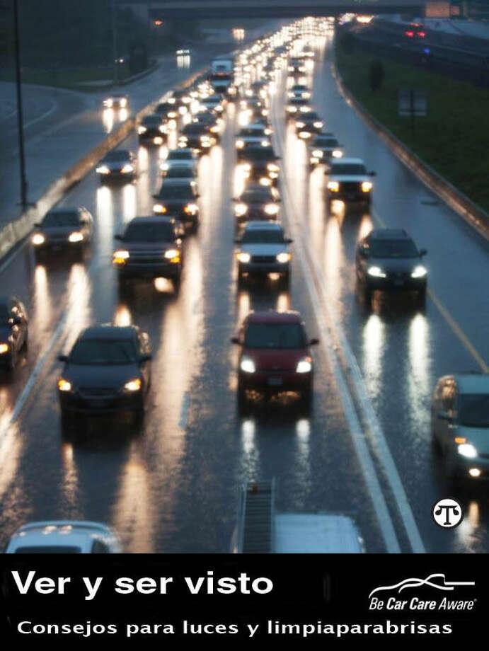 Por razones de seguridad, una idea brillante sería la de chequear regularmente las luces y el limpiaparabrisas de su carro, para ver y para que lo vean. (NAPS)