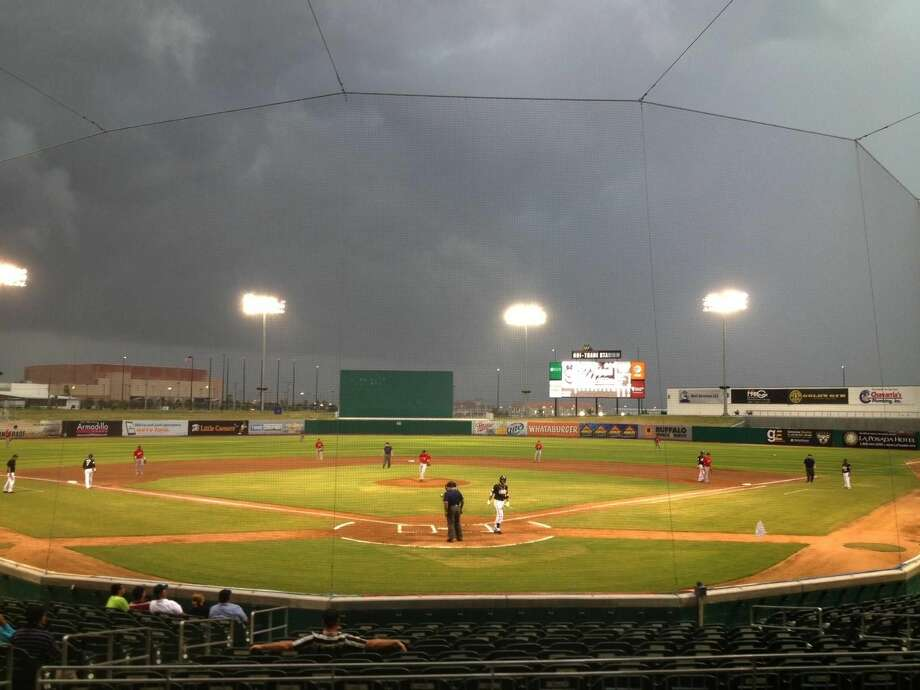 Dark clouds hover over Uni-Trade Stadium as the Lemurs play the El Paso Diablos Thursday evening. Both the Laredo Lemurs and Laredo Heat Super-20 games are in rain/inclement weather delays. (Cuate Santos/Laredo Morning Times)