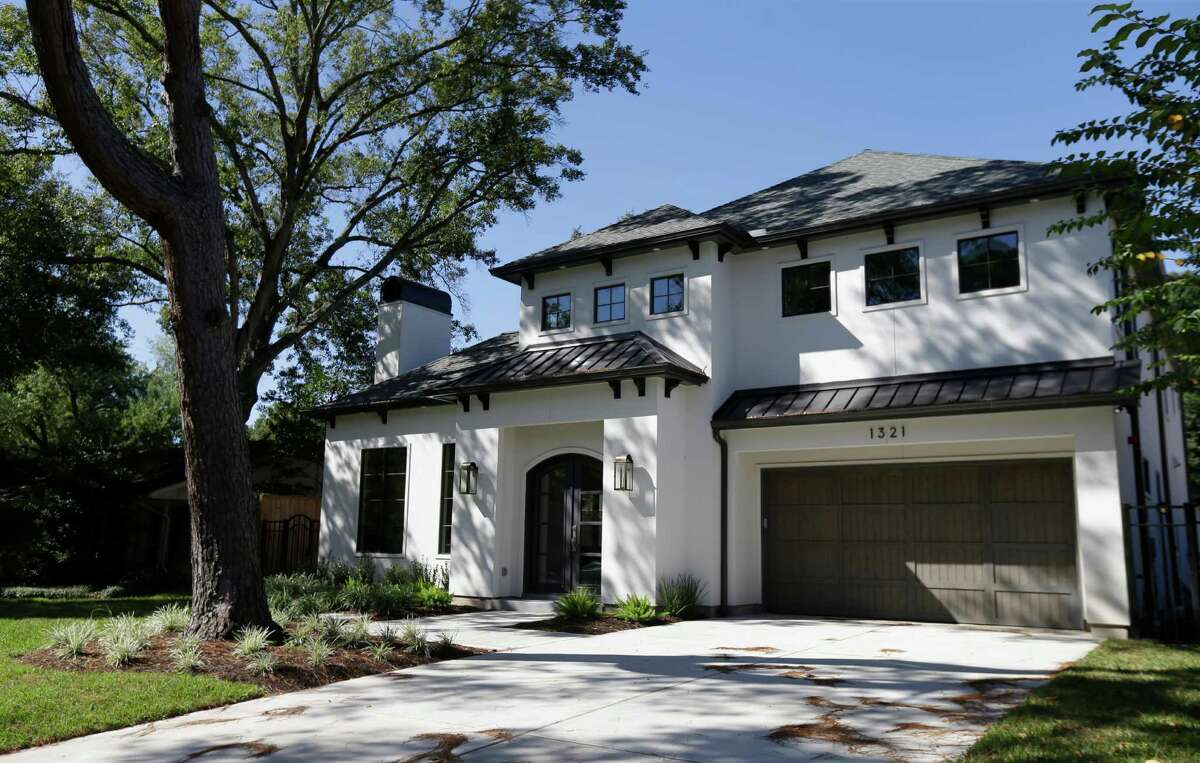 A newly constructed home at 1321 Modiste is shown for sale Friday, Oct. 21, 2016, in Spring Valley Village. ( Melissa Phillip / Houston Chronicle )