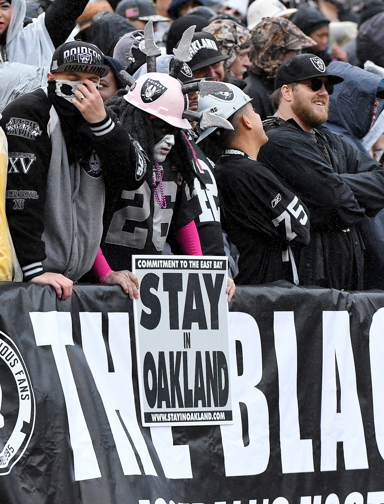 new group huddles to keep raiders but faces fourth and long san new group huddles to keep raiders but faces fourth and long san francisco chronicle