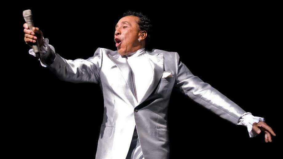 Hundreds attend the Dana's Angels Research Trust  benefit, with headliner Smokey Robinson, at the Palace Theatre in Stamford, Friday May 14, 2010. Proceeds will benefit research for Neimann-Pick Type C disease. Smokey Robinson performs for the crowd. Photo: Shelley Cryan / Stamford Advocate Freelance