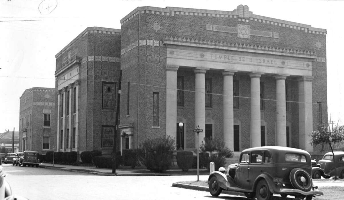 Temple Beth Israel in February 1938, at Austin and Holman. Congregation Beth Israel worshiped there from 1925 until 1967, when it moved into its current temple on North Braeswood.