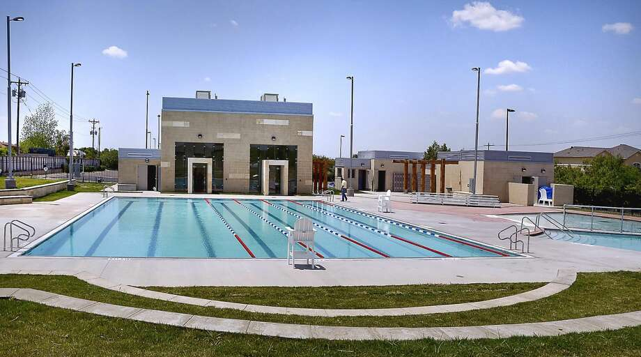 The long-awaited Reverend Deacon Leonel and Irma San Miguel Swimming Pool at North Central Park will officially open on Friday. A ribbon cutting ceremony starts at 10:30 am., and the city will have activities throughout the day. They will finish it off with a Poolside Movie Night at 8:30 pm. The completed pool is shown in this photo from Monday afternoon. (Photo by Cuate Santos/Laredo Morning Times)