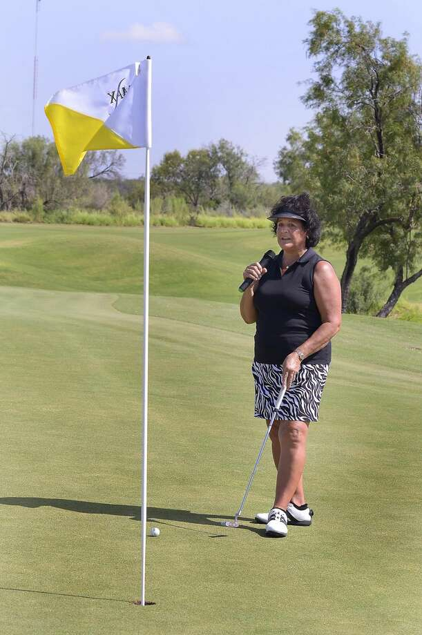 Professional golfer Nancy Lopez conducts a putting clinic for local youth at the Max A. Mandel Municipal Golf Course Wednesday morning. A full day of activities took place as part of the grand opening ceremonies for the course's clubhouse. (Cuate Santos/Laredo Morning Times)