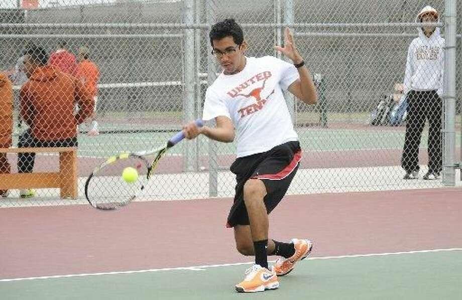 under area high school tennis teams earn district sweeps