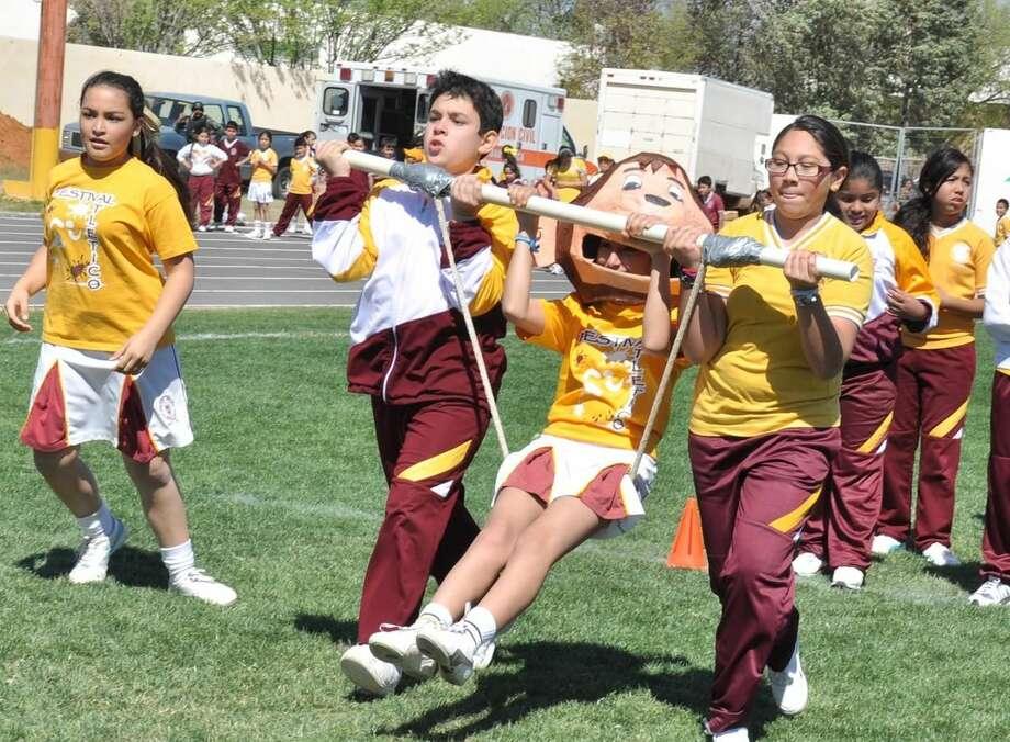 Alumnos y padres de familia del Colegio México celebraron su festividad anual donde comparten un día de juegos y camaradería. (Foto de cortesía)