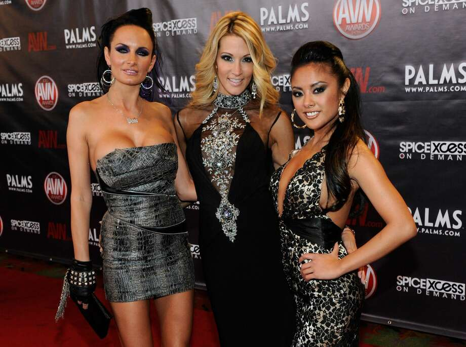LAS VEGAS - JANUARY 09:  (L-R) Adult film actresses Alektra Blue, jessica drake and Kaylani Lei arrive at the 27th annual Adult Video News Awards Show at the Palms Casino Resort January 9, 2010 in Las Vegas, Nevada.  (Photo by Ethan Miller/Getty Images) Photo: Getty Images
