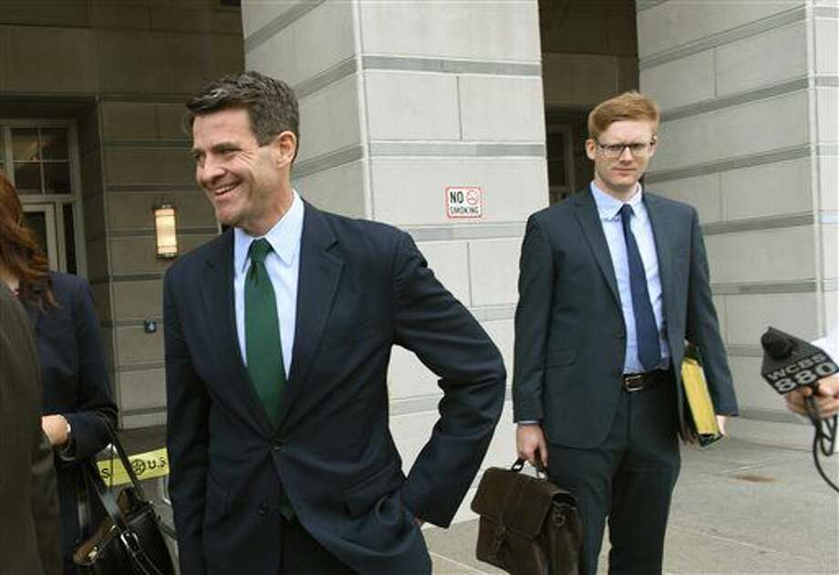 Bill Baroni leaves court, Tuesday, Sept. 20, 2016 in Newark, N.J. Bill Baroni, a Port Authority of New York and New Jersey official, and Bridget Kelly, Christie's former deputy chief of staff, are charged with civil rights violations, conspiracy and wire fraud. Prosecutors say they caused the traffic jams by reducing the number of access lanes to the bridge from three to one without notifying Fort Lee officials. (Viorel Florescu/The Record via AP)