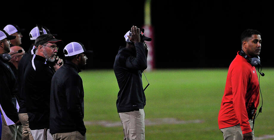 Kountze's coaches react on the sidelines as they battle Woodville during Friday's home game. Photo taken Friday, October 21, 2016 Kim Brent/The Enterprise Photo: Kim Brent / Beaumont Enterprise