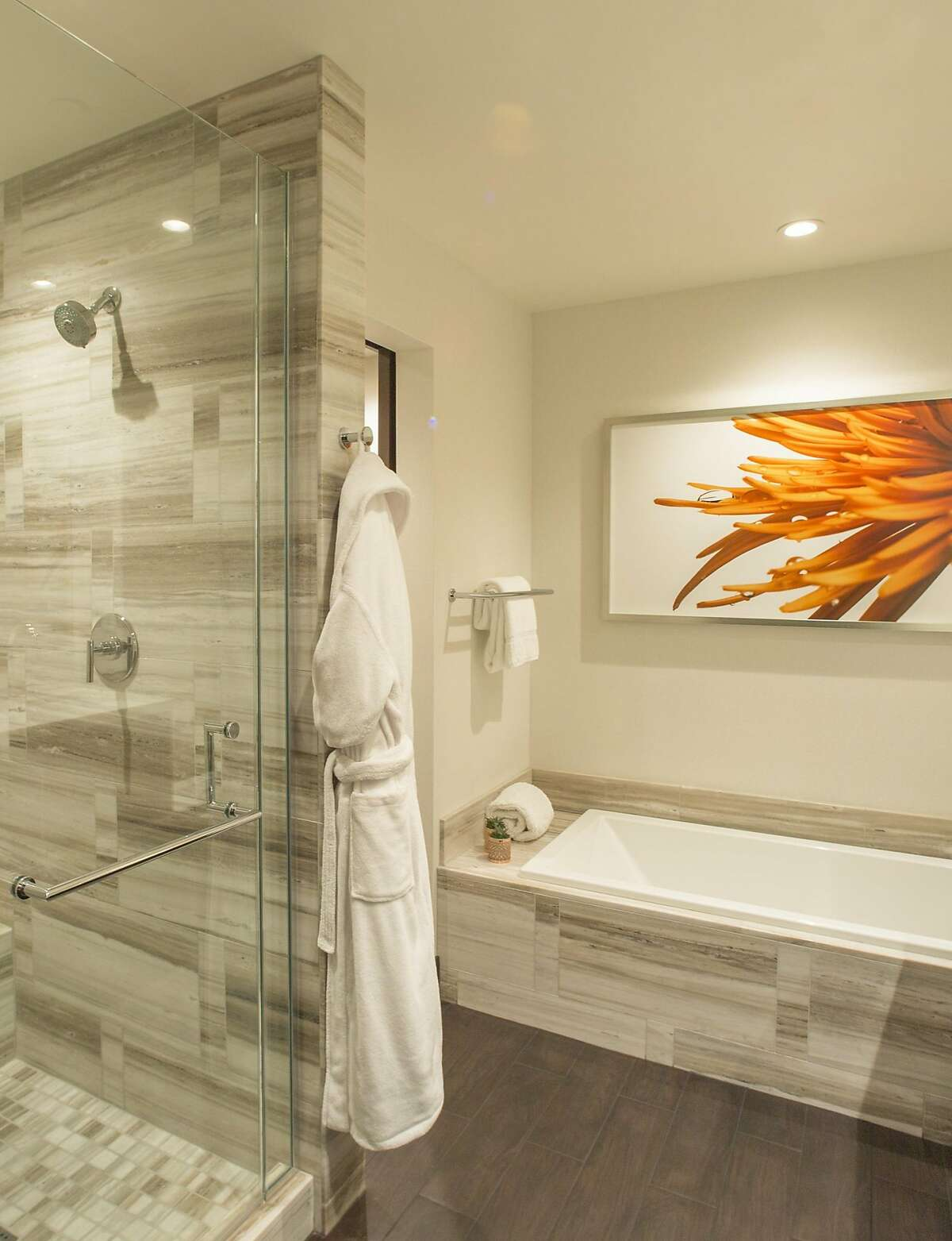 The new 200 guest rooms and suites at Graton Resort & Casino start at more than 500 square feet, larger than the typical city hotel room, and include�bathrooms with soaking tubs, stand-alone showers and double sinks as standard amenities.