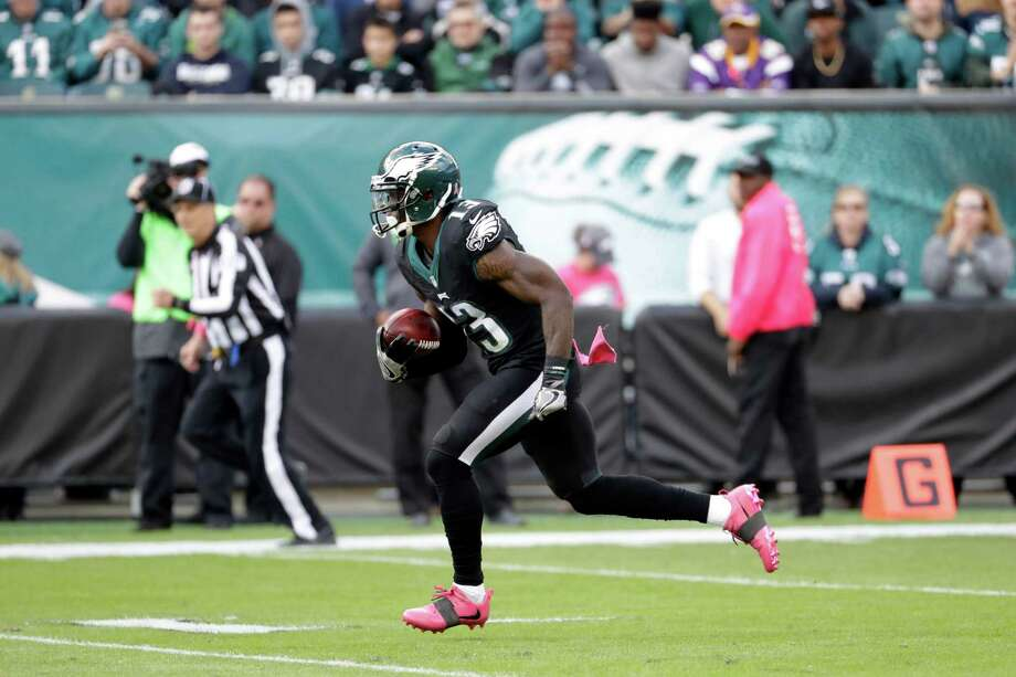 Philadelphia Eagles' Josh Huff returns a kickoff for a touchdown during the first half of an NFL football game against the Minnesota Vikings, Sunday, Oct. 23, 2016, in Philadelphia. (AP Photo/Chris Szagola) Photo: Chris Szagola, FRE / FR170982 AP