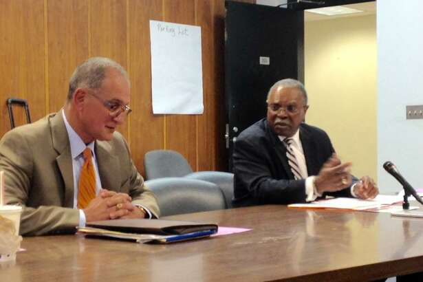 Consultants from Ray and Associates meet with Bridgeport BOE