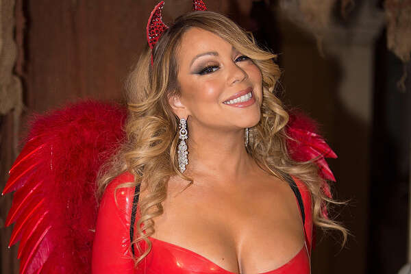 Recording artist Mariah Carey poses for photos at her Halloween Party on October 22, 2016 in Los Angeles, California.  (Photo by FilmMagic/FilmMagic)