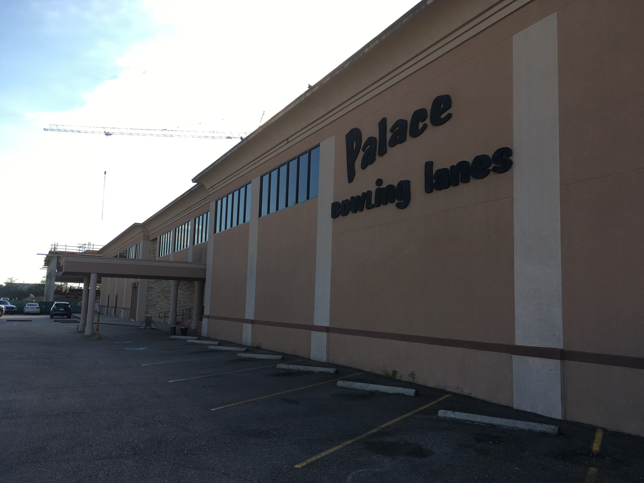 Palace Bowling Lanes On Bellaire Closes Houston Chronicle