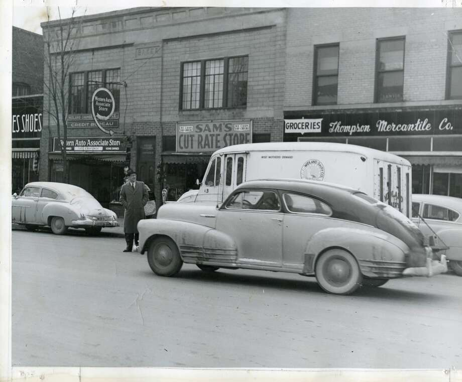Looking at Main Street, current location of Amazing Deli. 1940s Photo: Daily News File Photo