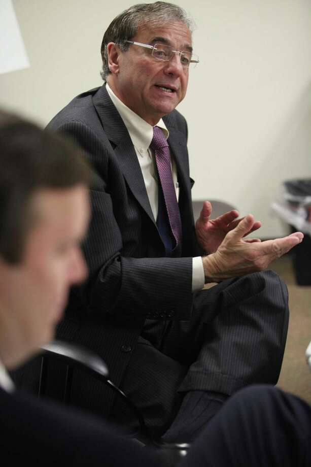 Joseph Carbone, CEO of The WorkPlace in Bridgeport, Conn., in a December 2013 meeting with U.S. Sen. Chris Murphy. Photo: Unknown / B.K. Angeletti / Connecticut Post freelance B.K. Angeletti