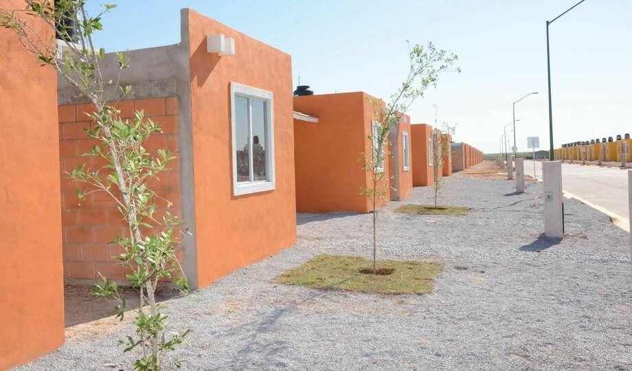 Quedan pendiente de entregar 10 casas en Reservas Territoriales, de las 200 construidas dentro del programa 'Vivienda Digna' en Nuevo Laredo, México. (Foto de cortesía)