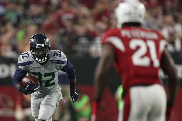 GLENDALE, AZ - OCTOBER 23:  Running back Christine Michael #32 of the Seattle Seahawks makes a reception in the first quarter during the NFL game at the University of Phoenix Stadium on October 23, 2016 in Glendale, Arizona.  (Photo by Christian Petersen/Getty Images)