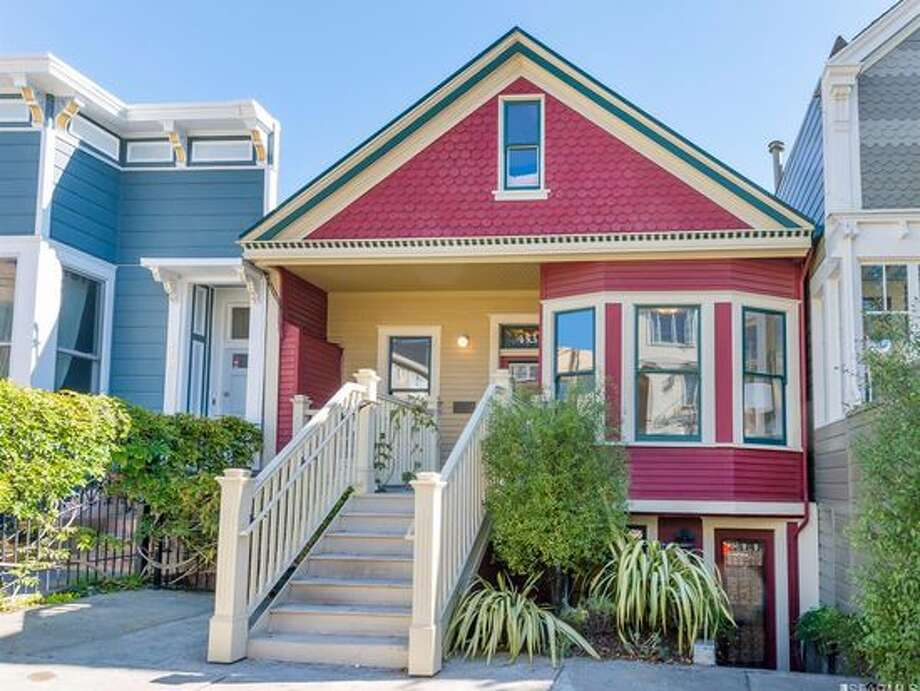 $700,000455 Douglass St., San FranciscoTwo bedrooms, one bath: lower Unit in a two-unit building in great location on one of the most desired blocks of Eureka Valley. Photo: Vanguard SF Properties