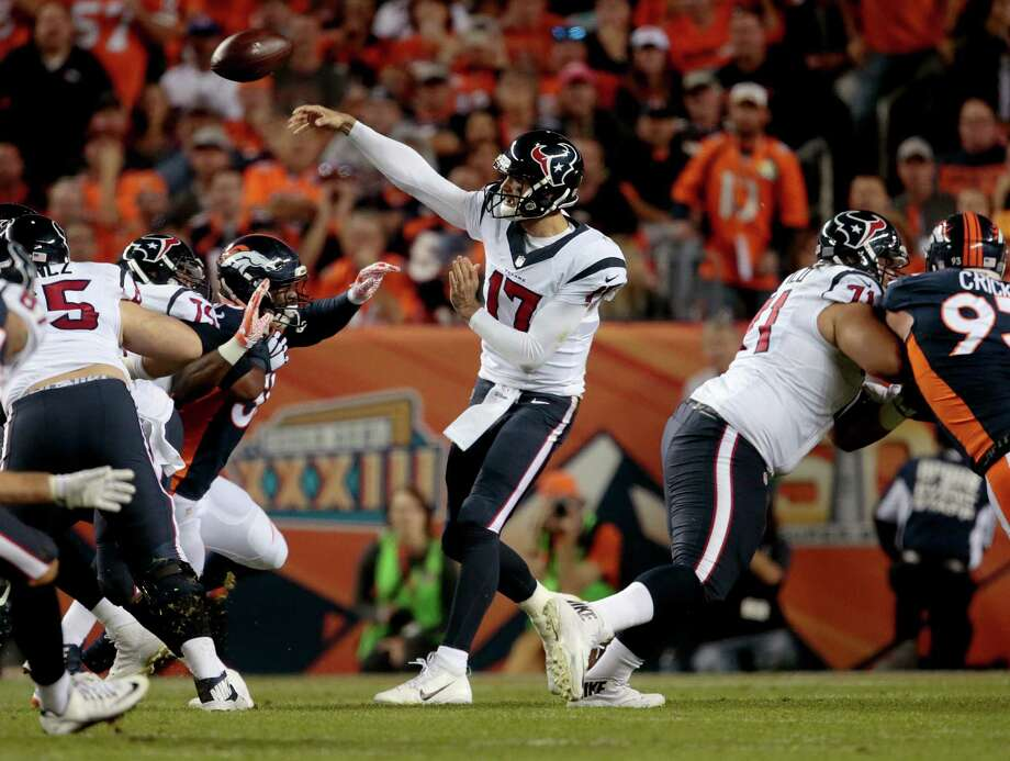 Houston Texans quarterback Brock Osweiler (17) throws against the Denver Broncos during the first half of an NFL football game, Monday, Oct. 24, 2016, in Denver. (AP Photo/Joe Mahoney) Photo: Joe Mahoney, FRE / FR170458 AP
