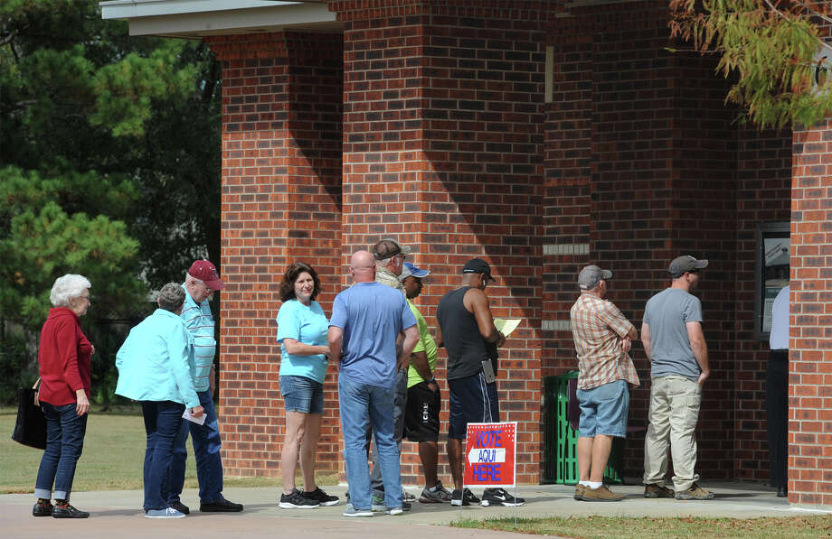 Voters line up at Rogers Park Monday to cast a ballot on the first day of early voting.  Photo taken Monday, October 24, 2016 Guiseppe Barranco/The Enterprise Photo: Guiseppe Barranco, Photo Editor