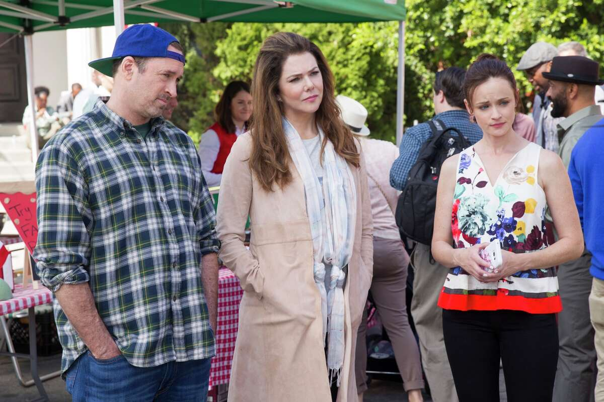Scott Patterson, Lauren Graham and Alexis Bledel in a still from Netflix's