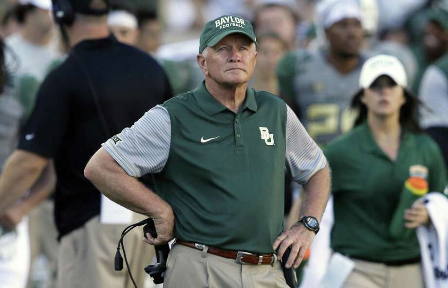 Baylor acting head coach Jim Grobe watches from the sideline during the second half against SMU in Waco on Sept. 10, 2016. Photo: LM Otero /Associated Press / AP