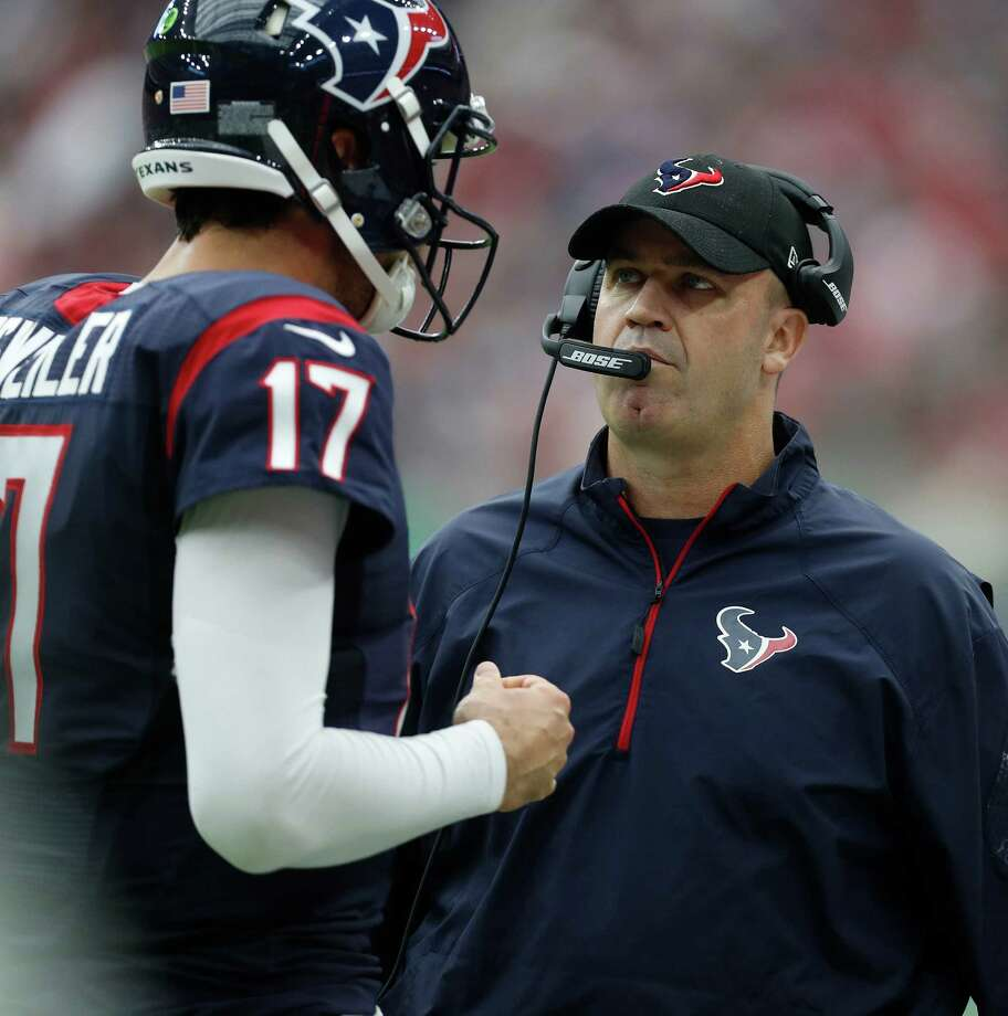 Houston Texans head coach Bill O'Brien talks with quarterback Brock Osweiler (17) during the first quarter of an NFL football game at NRG Stadium, Sunday, Oct. 2, 2016 in Houston.  ( Karen Warren / Houston Chronicle ) Photo: Karen Warren, Staff Photographer / 2016 Houston Chronicle