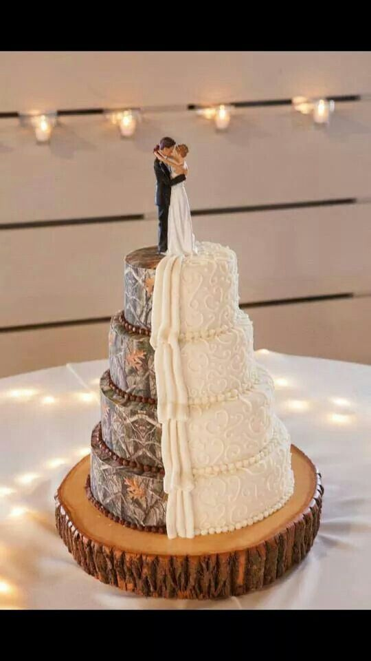 Camo wedding cakes are taking over the scene and it\'s making us sad ...
