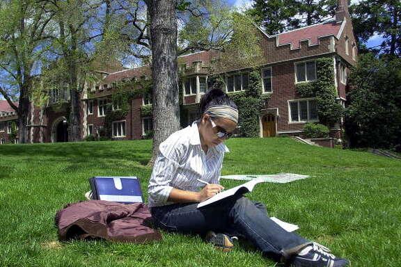 9.  Princeton University     Number of billionaires: 7