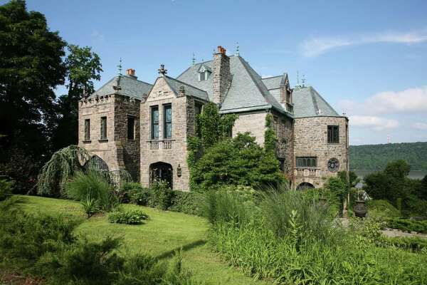 70 Shonnard Ter, Yonkers, NY 10701    6 beds 7 baths 13,500 sqft     View full listing on Zillow
