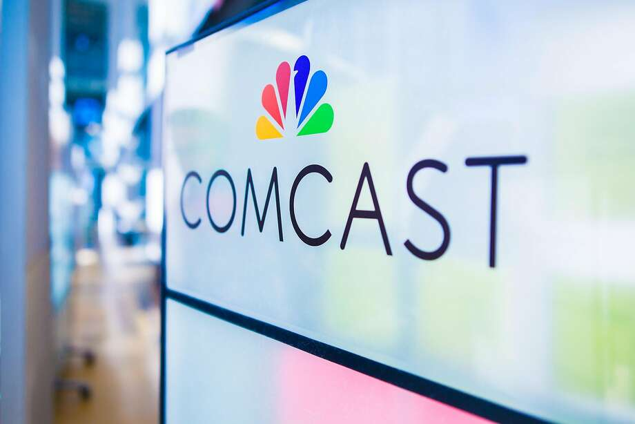 In a turnaround, Comcast gained a net 32,000 cable subscribers last quarter. Photo: Jeff Fusco, Associated Press